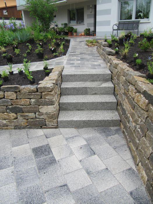 Ge nderter hauszugang in gleu en referenzen for Gartengestaltung coburg